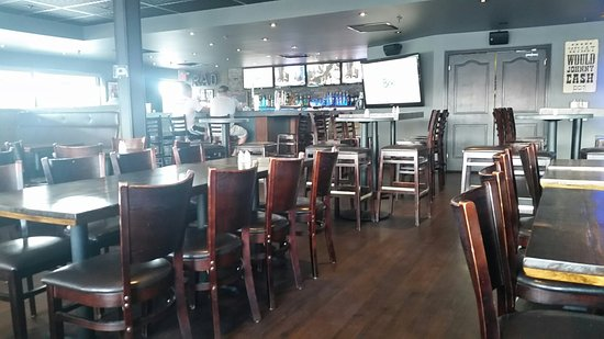 The Rad Brothers Sportsbar and Taphouse: 20160829_151856_large.jpg