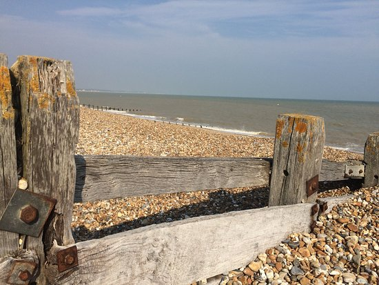 Pevensey, UK: Beautiful park and so close to the beach.