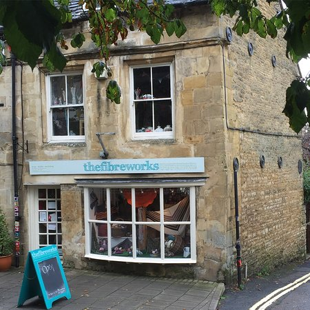 ‪‪Chipping Norton‬, UK: Loved my first visit to this yarn shop plus. Great friendly service and lots of choice in such a‬