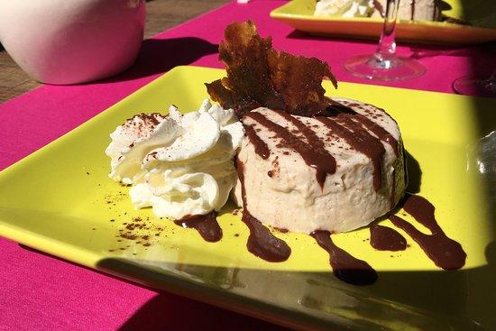 Paimpol, France : L'excellent wok et l'entremet à la banane sauce chocolat : Un régal !