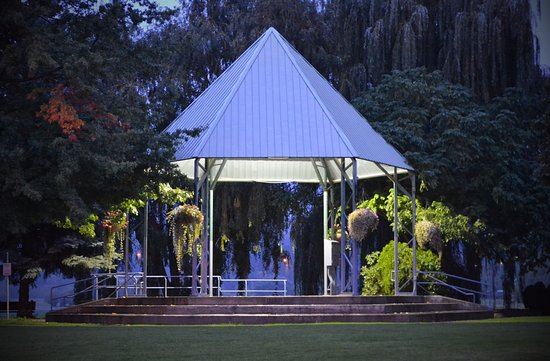 Salmon Arm, Canadá: The Bandstand in Marine Park
