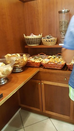 Hotel San Vincenzo: 20160817_085929_large.jpg