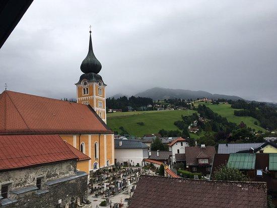 Hotel Stadttor: Mit Blick auf Kirche und Friedhof am Stadttor