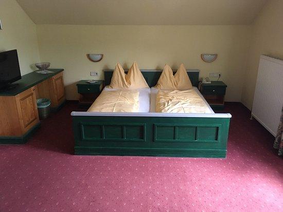 Hotel Stadttor: Die Zimmer sind veraltet, aber geräumig.
