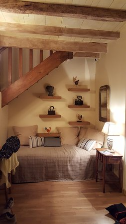 Saint-Affrique-les-Montagnes, France: cozy corner in one of the suites