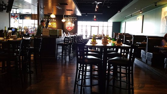 North Canton, OH: Seating Area at Table Six