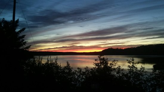 Elk Lake, Canadá: 20160727_213402_large.jpg