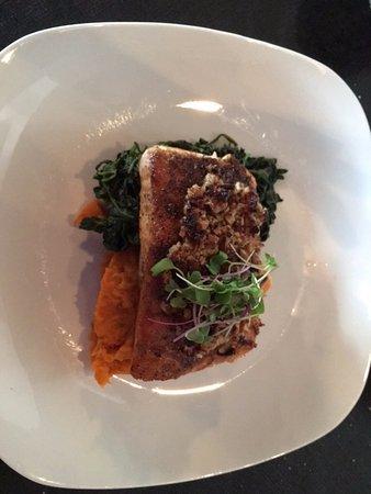 Berkeley Springs, فرجينيا الغربية: Pan Seared Red Fish (special)