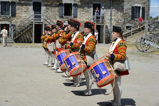 Ticonderoga, NY: Drum and Fife performance