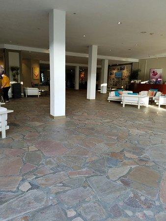 Hilton Aruba Caribbean Resort & Casino: 20160829_180650_large.jpg
