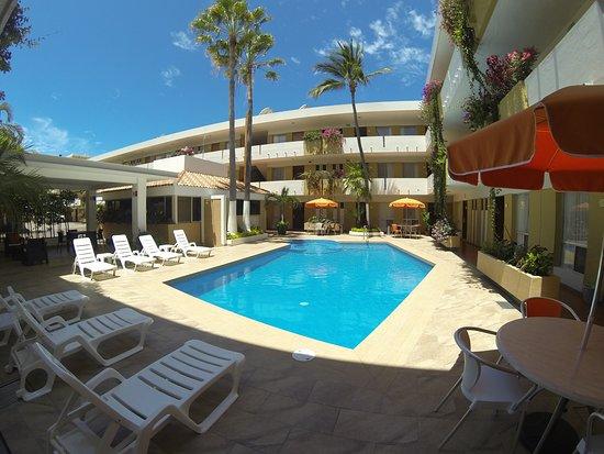 Azteca Inn: Alberca