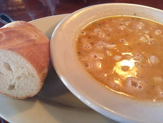 Altamonte Springs, FL: Soup was hot and yummy - just enough bread too!