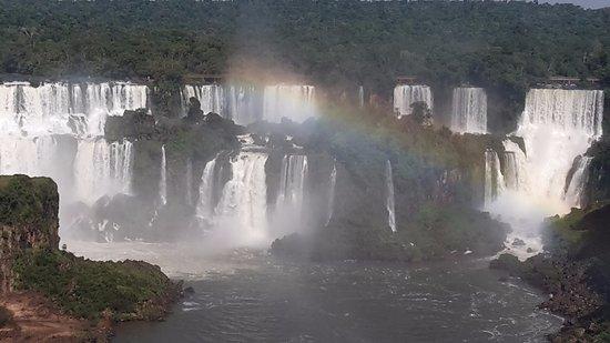 Фос-ду-Игуасу: Foto y arcoiris.