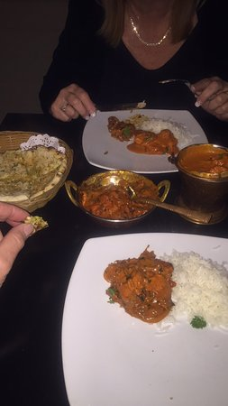 JJ's Indian Restaurant: We had a great dinner of Buttered Chicken and Chicken Tika Masarla and service was excellent. Re