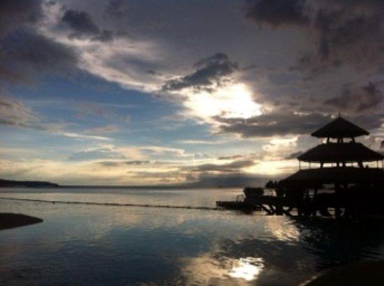 Pearl Farm Beach Resort: Beautiful Sunset