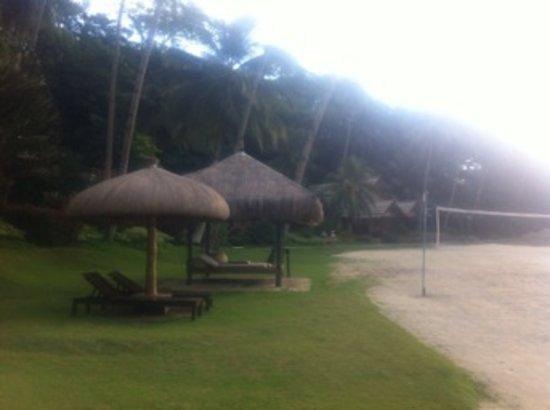 Pearl Farm Beach Resort: Volleyball Court