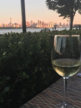 Edgewater, Nueva Jersey: Beautiful View From the Back Patio