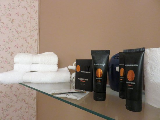 Captain Blackmore's Heritage Manor : Liked the bathroom products- chosen with care