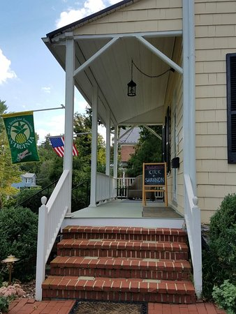 Berryville, VA: 20160826_171836_large.jpg
