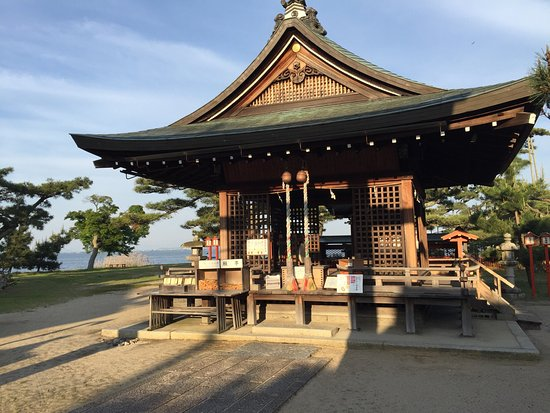 Karasaki Shrine
