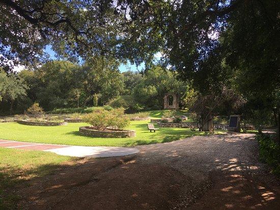 Zilker Botanical Garden: photo0.jpg