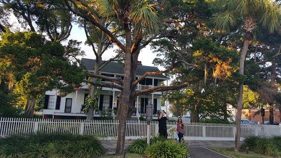 Fernandina Beach, FL: 20160827_192249_large.jpg