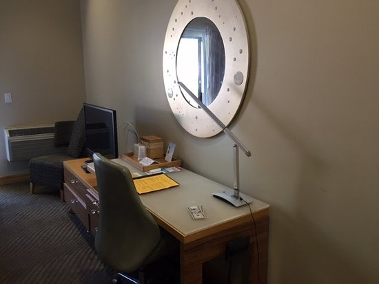 Catalina Canyon Resort & Spa: The rooms have newer decor