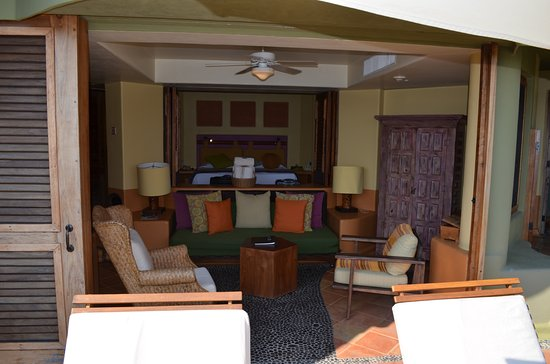 ‪‪Embarc Zihuatanejo‬: view back in from the terrace, living room and bedroom beyone that‬