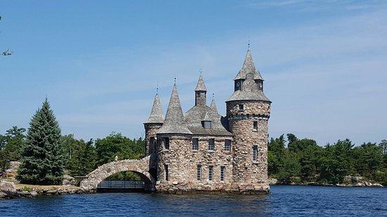 Boldt Castle and Yacht House: 20160804_115705_large.jpg