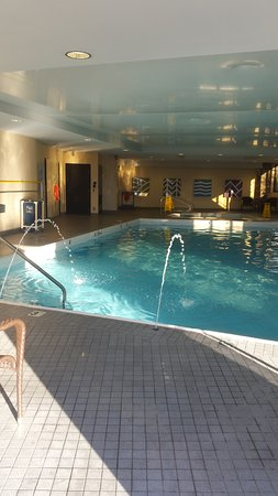 Invermere, Canadá: Indoor Pool - gorgeous and warm!