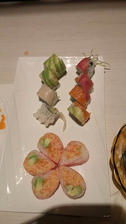 Belleville, Canada : Here is the Rainbow Roll and the Pink Lady Roll