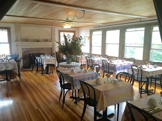 North Haven, ME: Nebo dining room