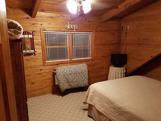Hico, Западная Вирджиния: Upstairs bedroom 1