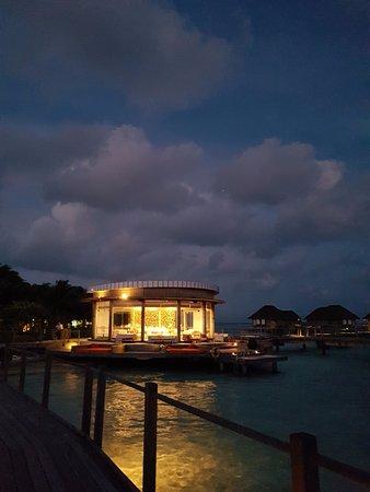 Club Med Kani: 만타 라운지 전경