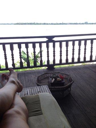 Champasak Spa: Al final de tu masaje, reposas un rato frente al Mekong tomando un te de hibisco