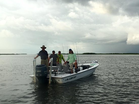 Barataria, Луизиана: The guy's boat - with Captain Colby