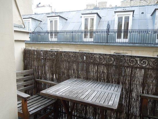 Hotel de Suez: Balcony