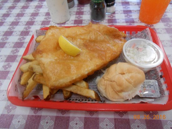 North Fort Myers, FL: king size fish & chips