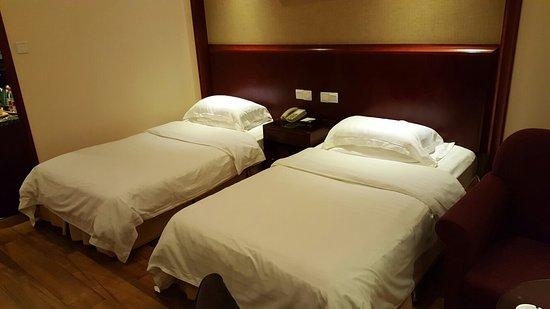 Jiuquan Hotel (Beilou)