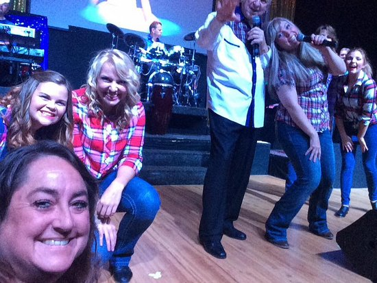 Elkins, Virginia Occidental: Selfie with the crew!!! So much fun!