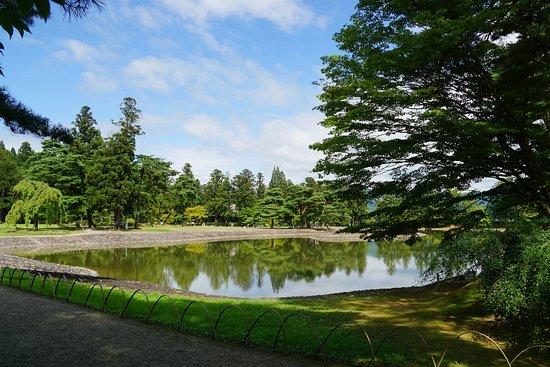 Motsu-ji Temple: 毛越寺庭園