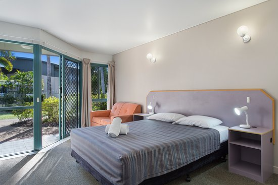 Capricorn Motel & Conference Centre: Queen room