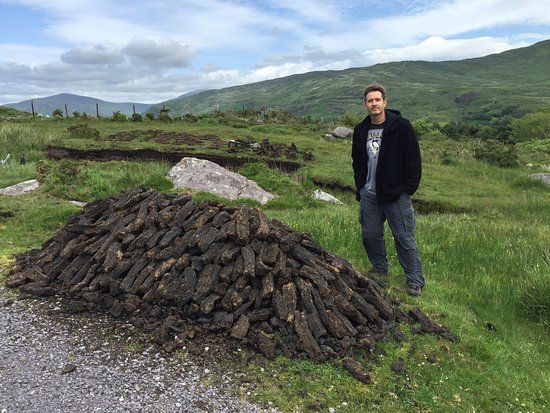 Kenmare, Irland: Pile of Peat