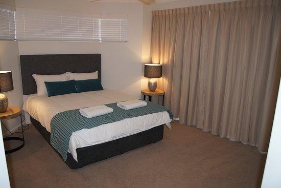 Sunshine Beach, Avustralya: Apartment with terrace main bedroom
