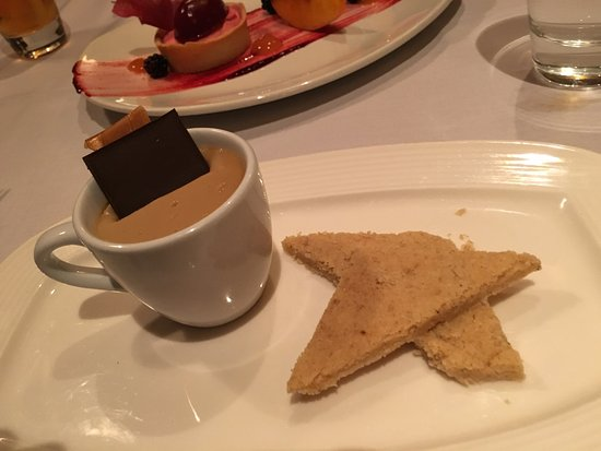 Plymouth, Californien: Butterscotch Budino with brown butter shortbread