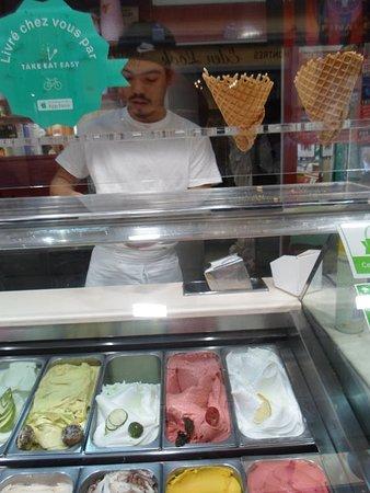 gelateria azzurro : friendly service