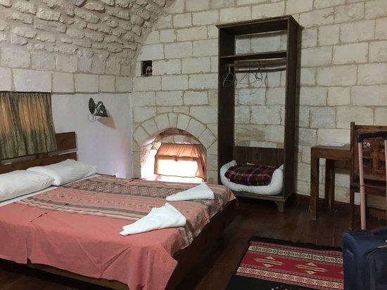 The Fauzi Azar Inn: Single bedroom