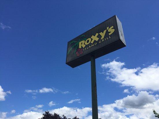 Tualatin, OR: Roxyʻs Island Grill sign