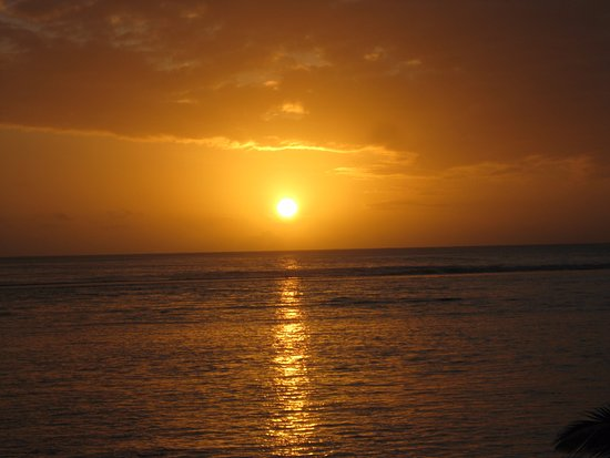 Sunhaven Beach Bungalows: Beautiful sunset from Sunhaven