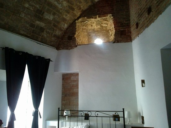 Montefiore dell'Aso, Italia: CAM04457_large.jpg